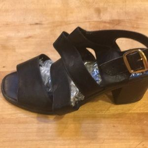 Shoes - Really cute comfortable heels